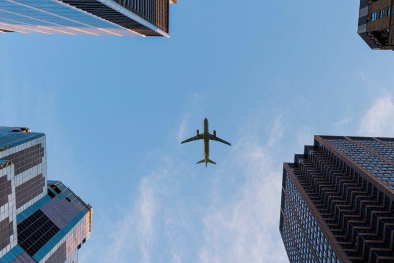 VERICUT mène la voie des jumeaux numériques dans l'industrie aérospatiale.